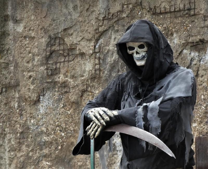 Halloween-fejring med uhyggelig og spændende pynt fra Brøndsholm til favorable priser