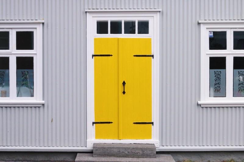 Frisk din bolig op med moderne eller klassiske døre til favorable online-priser